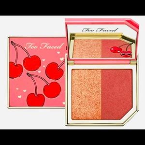 New too faced Fruit Cocktail Cherry 🍒 💣Blush